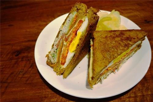 Chicken Club Sandwich at Dyu Art Cafe