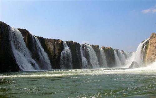 Hogenakkal Falls near Salem