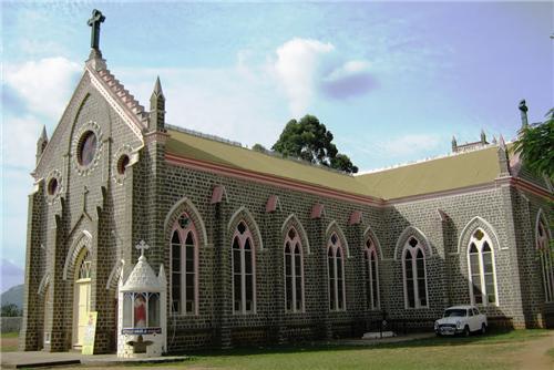 Sacred Heart Church in Salem
