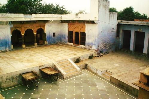Garud Govind Temple in Vrindavan Address