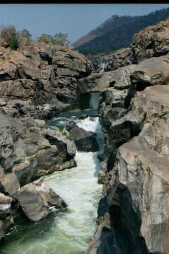 Water gushing through the rocks at Mekedatu