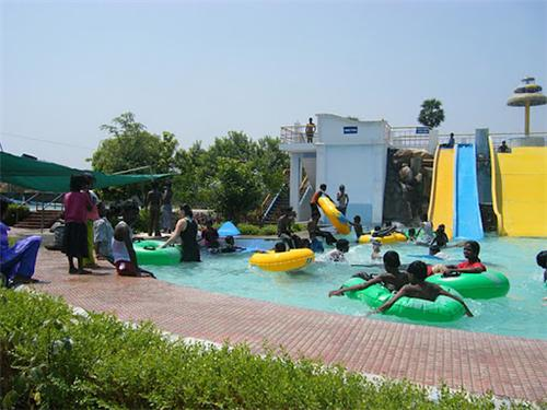 Paravasa Ulagam Water Theme Park