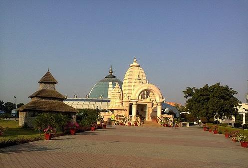 Radha Vrindavan Chandra Temple in Vrindavan Location