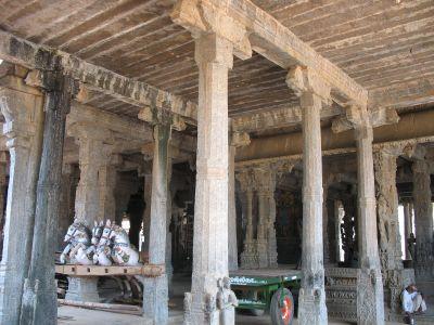 Mandapams at Srimushnum Sri Bhoovaraghaswamy Temple