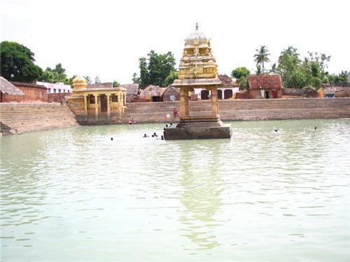Srimushnam Temple Tank
