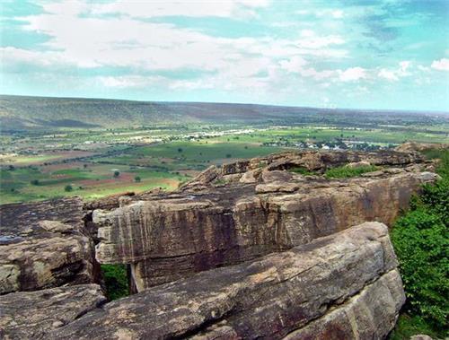SIte that has rock paintings in Kadapa