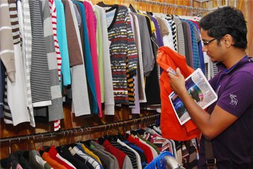 Garment Showrooms in Daman