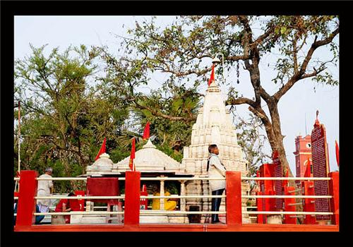 Famous temples in Darbhanga