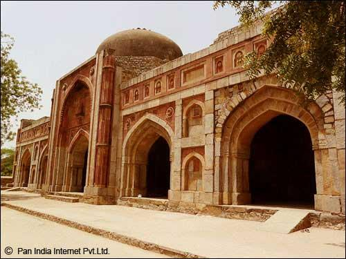 Mosque in Mehrauli Archaeological Park