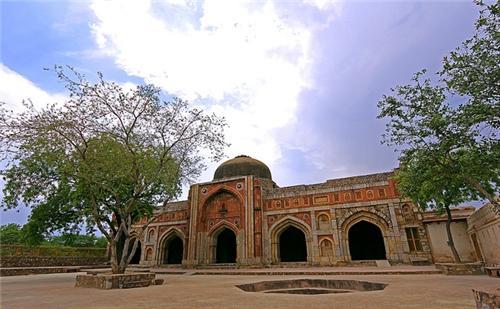 Jamali Kamali Mosque and Tomb Delhi