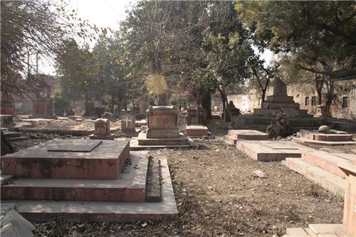Lohian Cemetary in the Heart of Delhi
