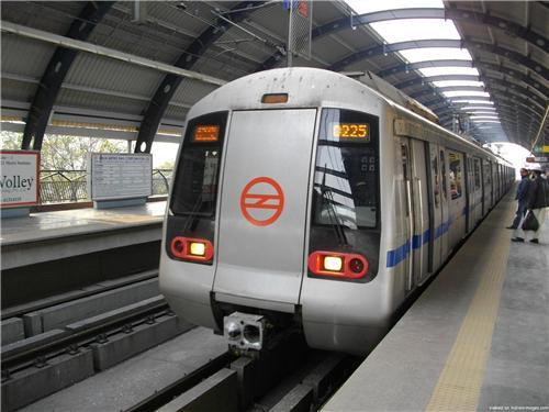 Metro Rail in Delhi