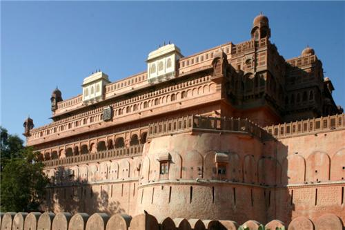 Historical Places near Delhi