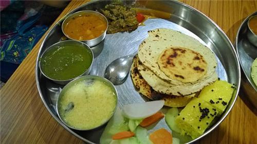 Gujarat Bhawan in Delhi