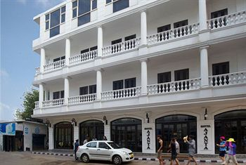 Hotels near red fort