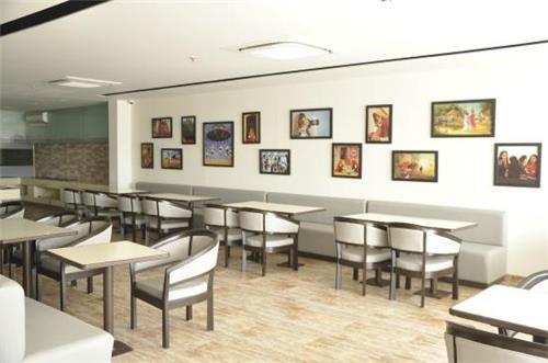 Saras Restaurant in Gandhidham