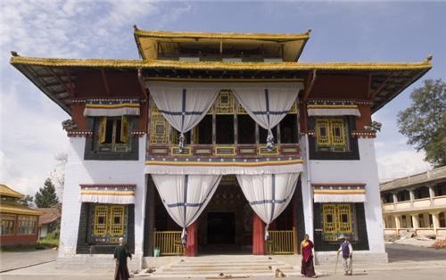 Tsuklakhang monastery