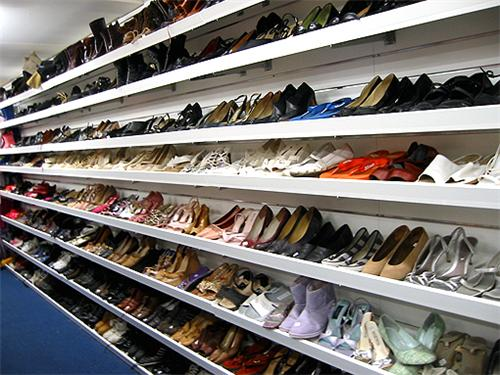 Footwear Shops in Giridih
