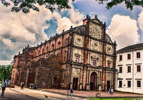 Basilica_of_Bom_Jesus_Church