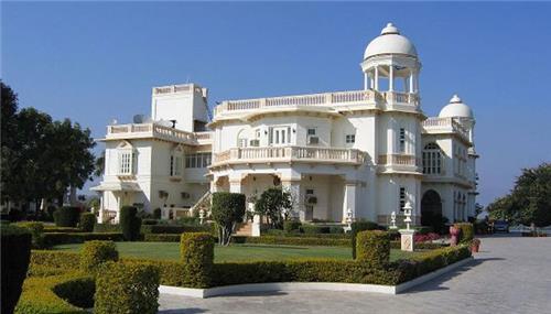 Balaram Palace Resort Village Chitrasani