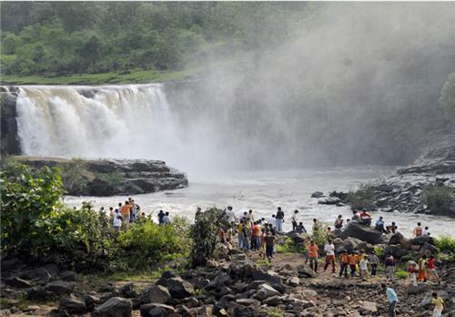 Gira Falls