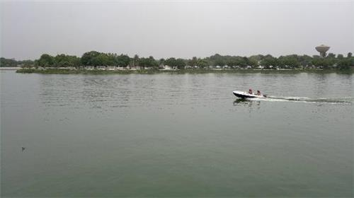 Boating in Kankaria Lake