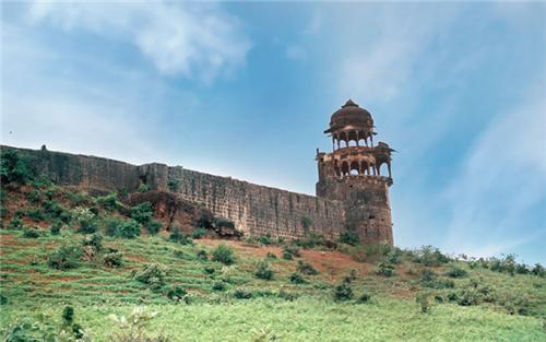 Historical places in Guna