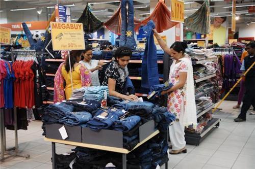 Apparel Stores in Gwalior