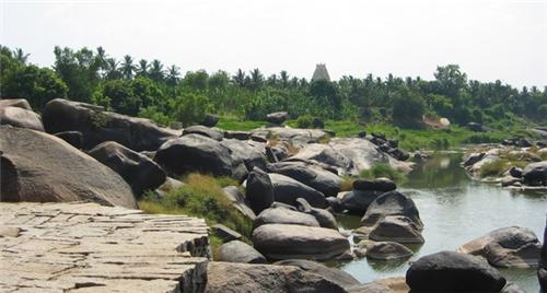 Physical Features of Hampi
