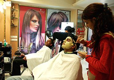 Beauty Salons in Karnal