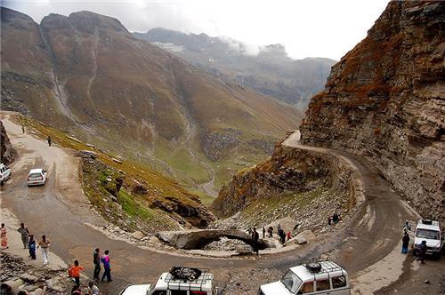 Towards Rohtang Pass