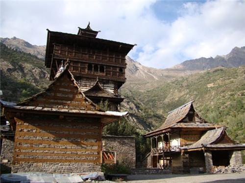 Kamru Fort in Himachal Pradesh