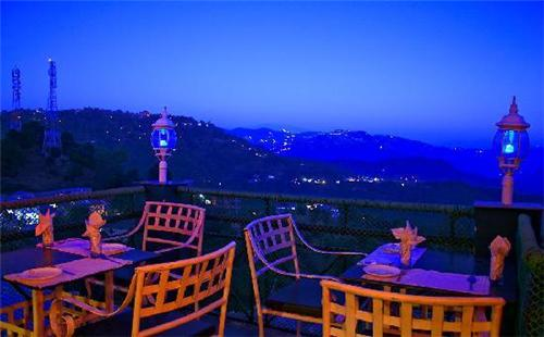Enjoy the beauty of Kasauli from Hotel Kasauli Inn