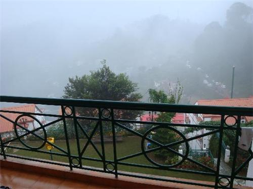 Mesmerizing View of Valleys and Mountains in Kasauli Resort