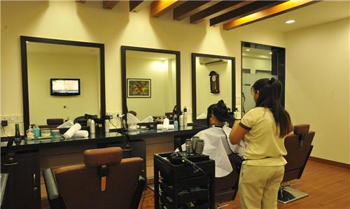 Hair dressers of Hissar are well trained professionals