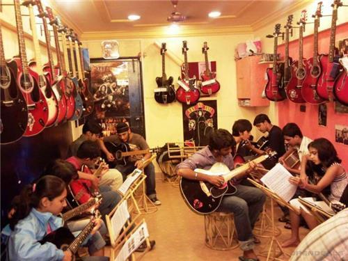 Music and Dance class in Jabalpur