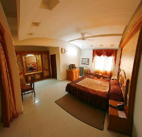 Rooms in Hotel Dolphin in Jalandhar