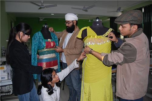 Famous Fashion Designers in Jalandhar