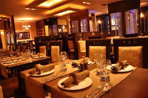 Bars and Restaurants at Regent Park Hotel in Jalandhar