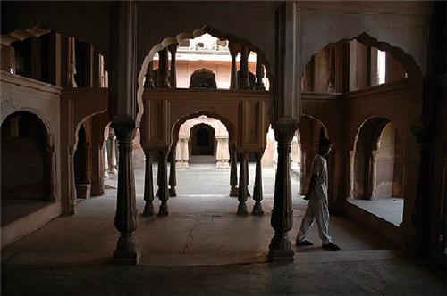 Khetri Mahal in Jhunjhunu