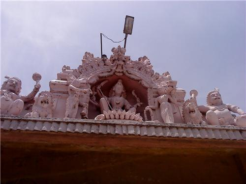Temples in Mayanur