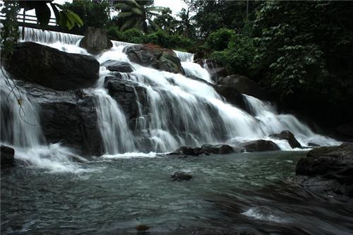 Aruvikkuzhi Waterfalls in Kottayam