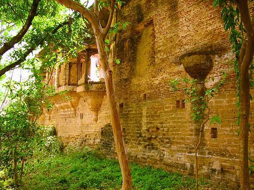 Sujanpur Fort Kullu
