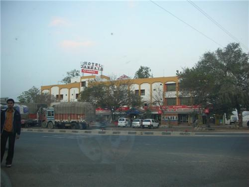 Location of Hotel New Janpath Hotel in Mehsana