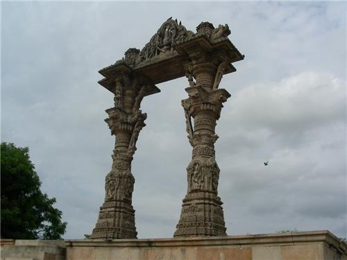 The role of famous torans in history of Vadnagar