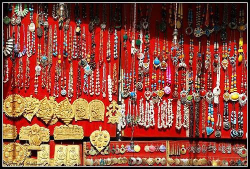 Shopping of Tibetan Jewelry