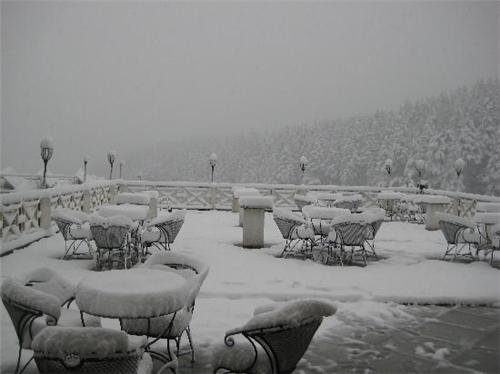 Snow Valley Resort in Manali after snowfall