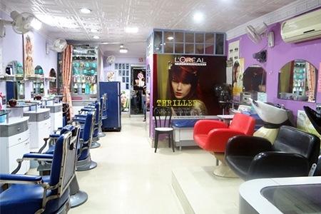 Salons in Moga
