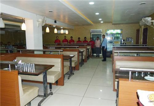 Honest Restaurant at Abadh Hotel in Morbi