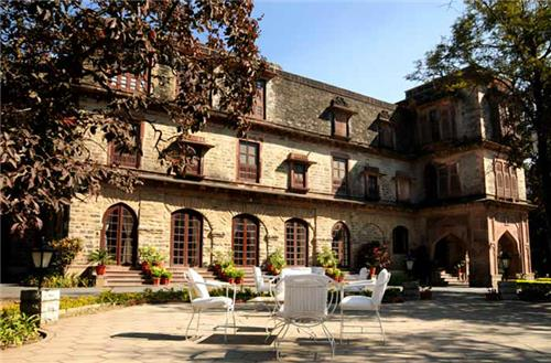 Serene and Tranquil Location of Palace Hotel in Mount Abu